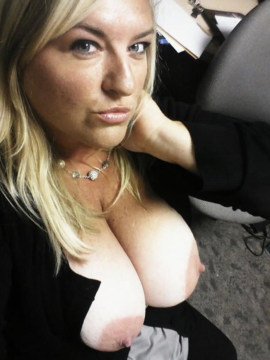 grosse poitrine sexy pays de la loire